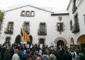 Concentració a l'Ajuntament d'Arenys de Mar
